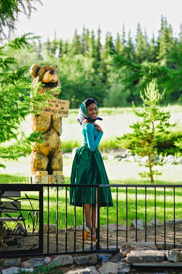 Green midi dress, Alaska fashion blogger, online shopping, block heels, crop top, veil, Fairbanks