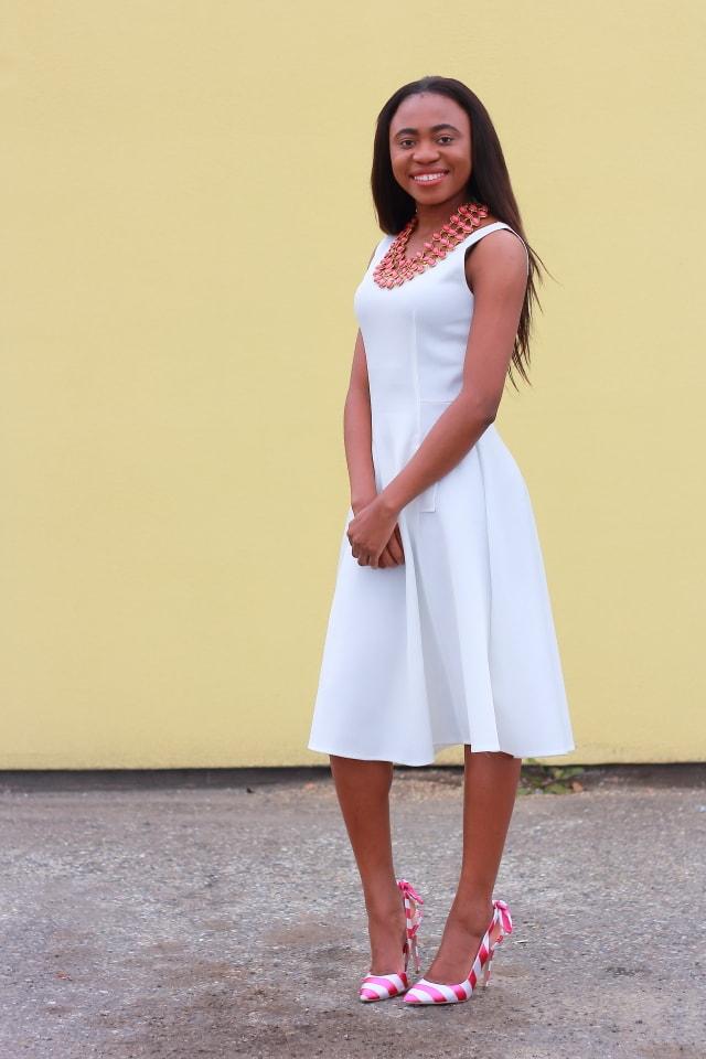 Style blogger, Flare dress, midi dress, midi dress, reversible necklace, stripe sandals, fashion blogger, Alaska blogger, Amrita Singh