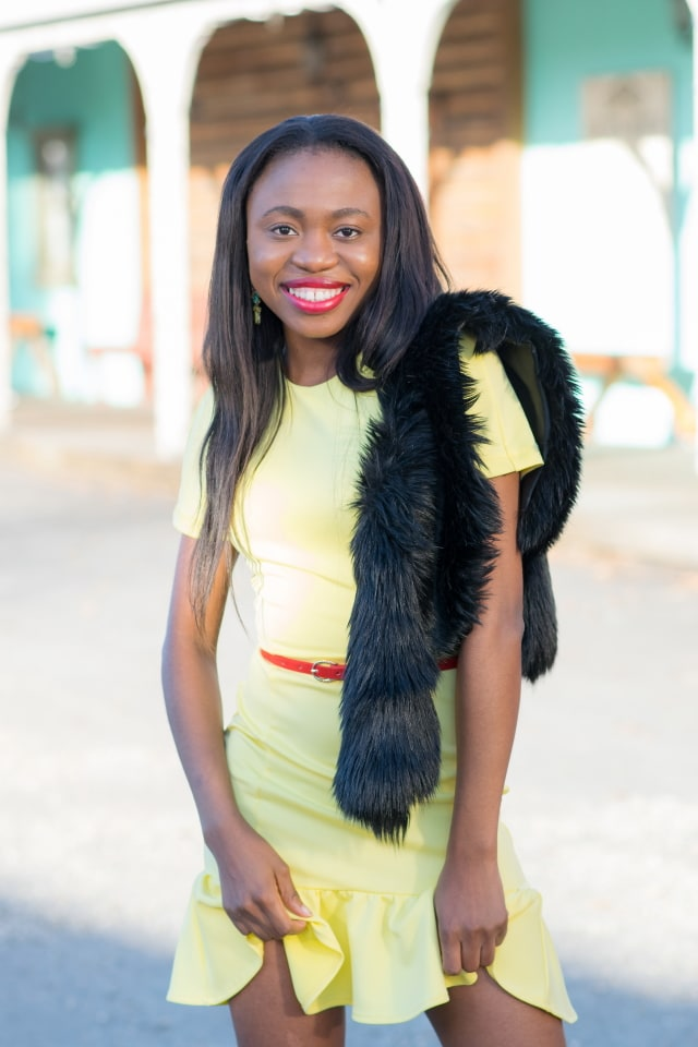 Fashion blogger, La Passion Voutee, Louisa, Yellow peplum dress, Fur scarf