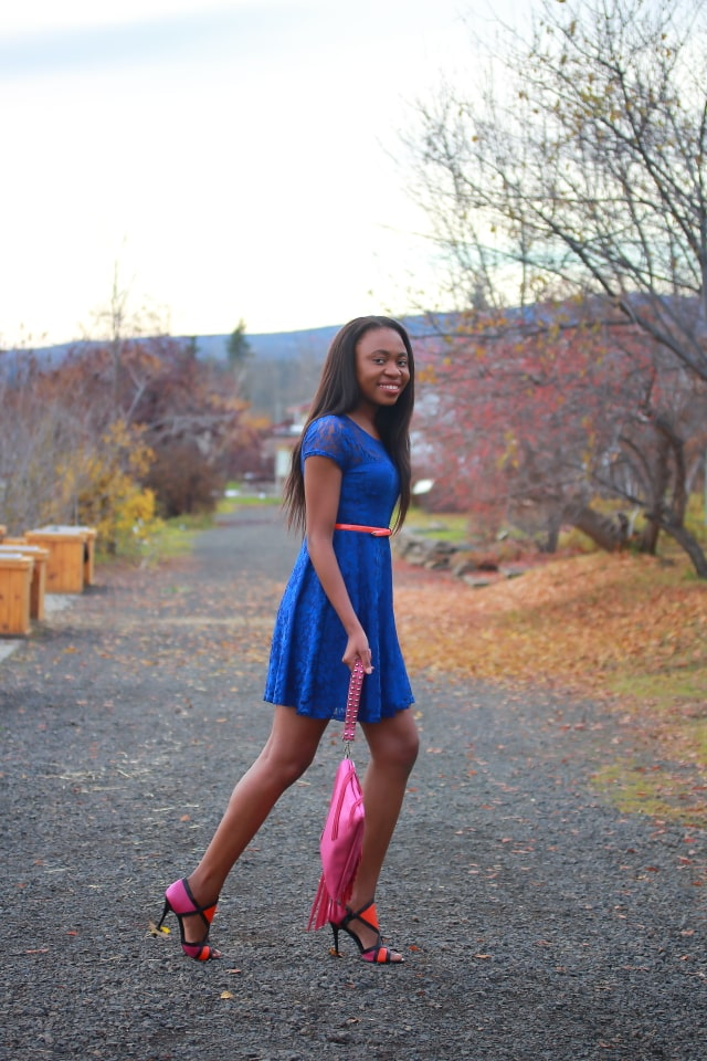 Fashion blogger, affordable shopping, Alaska blogger, lace dresses, what to wear, shoedazzle