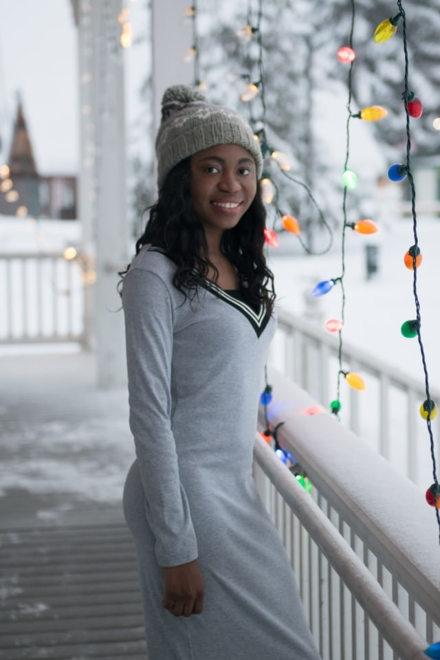 sweater dress outfits, sweater dress and boots, beanies, Alaska, Fashion blogs, fashion bloggers on Instagram, Fashion bloggers to follow, Alaska fashion, Street style blog, Fashion bomb, La Passion Voutee, Winter look, winter style, Black blogger, African blogger, Blogger of color