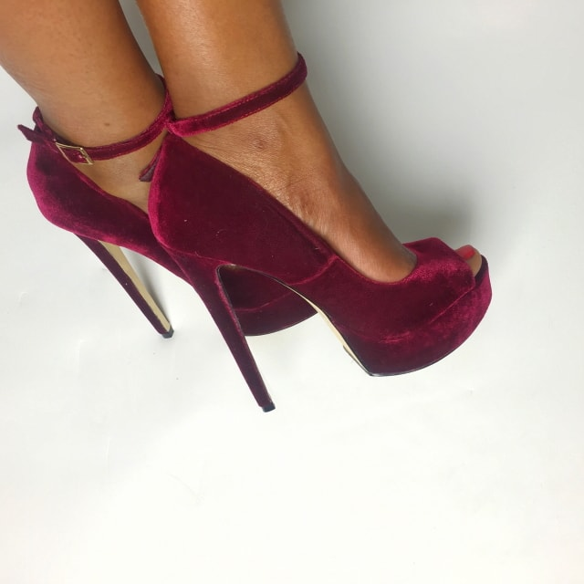Here S My Review Of This Velvety Red Shoedazzle Terrina Open Toe Platform Sandals