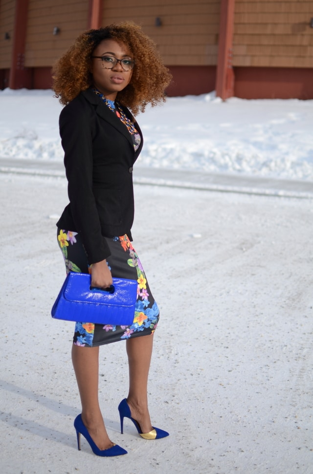 Alaska Fashion: This is a chic and unique way to wear a floral bodycon midi dress by combining it with a fitted blazer. Can also be worn without a jacket in the spring and summer. This is a pretty sleek way to transform a
