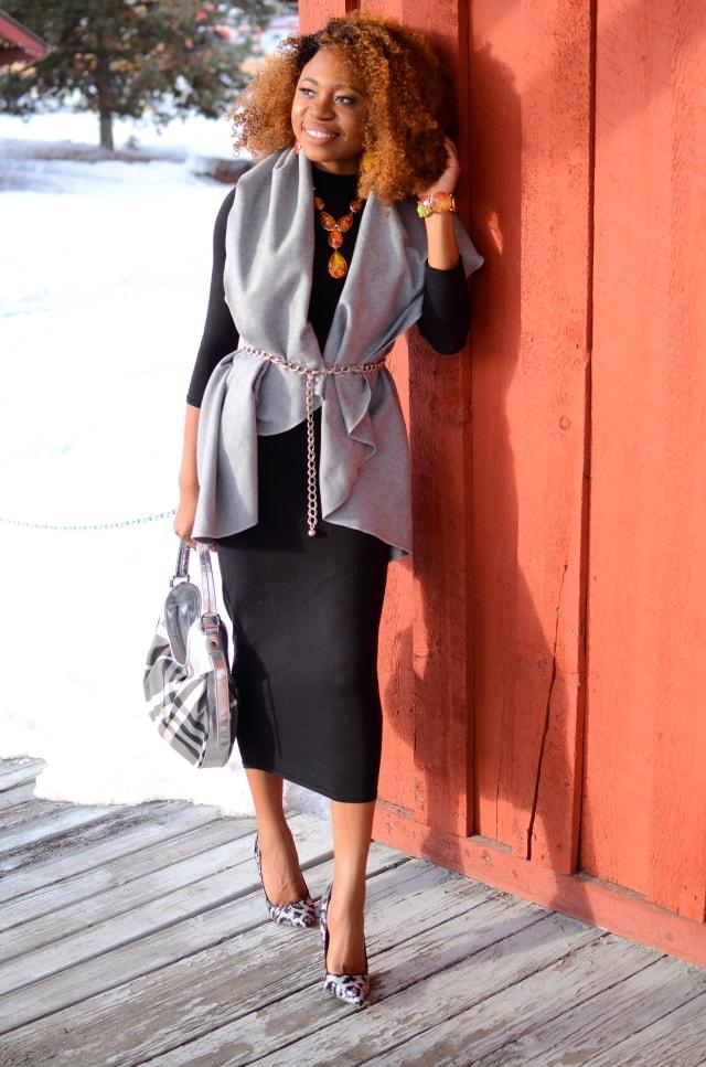 Alaska fashion blogger effortlessly mixes prints and neutrals