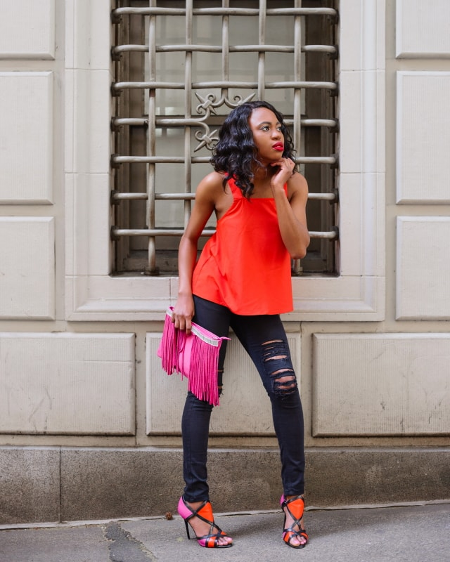 Colorblocking in pink and orange outfit