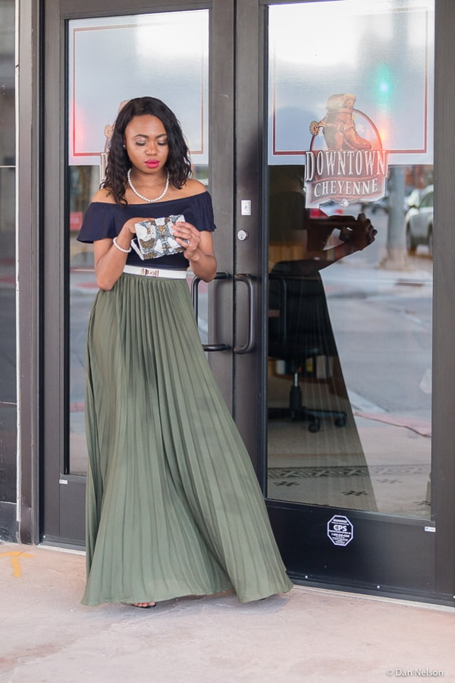 How to make a trendy off-the-shoulder crop top look chic and elegant by pairing it with a maxi skirt. Great for summer weddings and special occassions