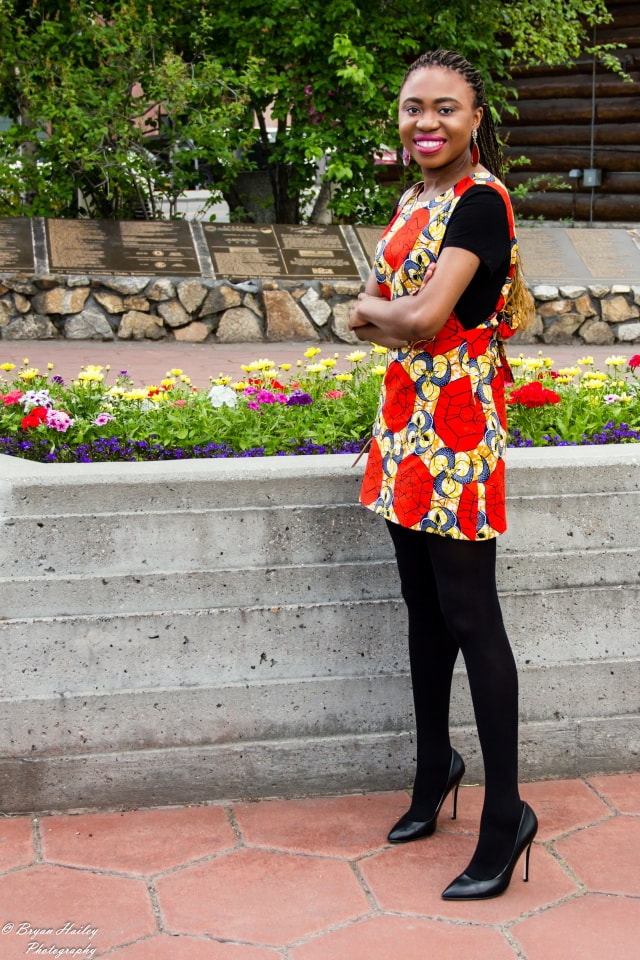 See how these two West African fashion bloggers effortlessly style ankara African print outfits. Featuring the latest African styles. Click to see the second outfit.