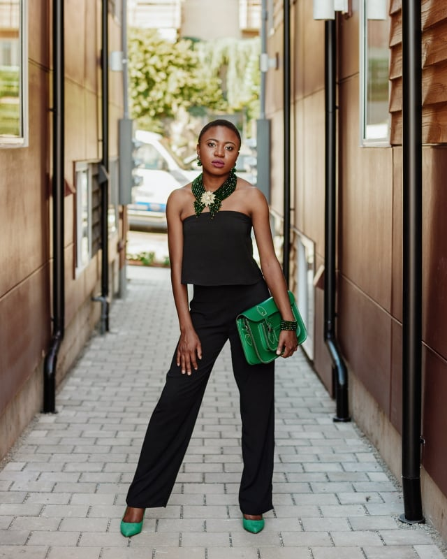 Black oufit: black sleeveless jumpsuit