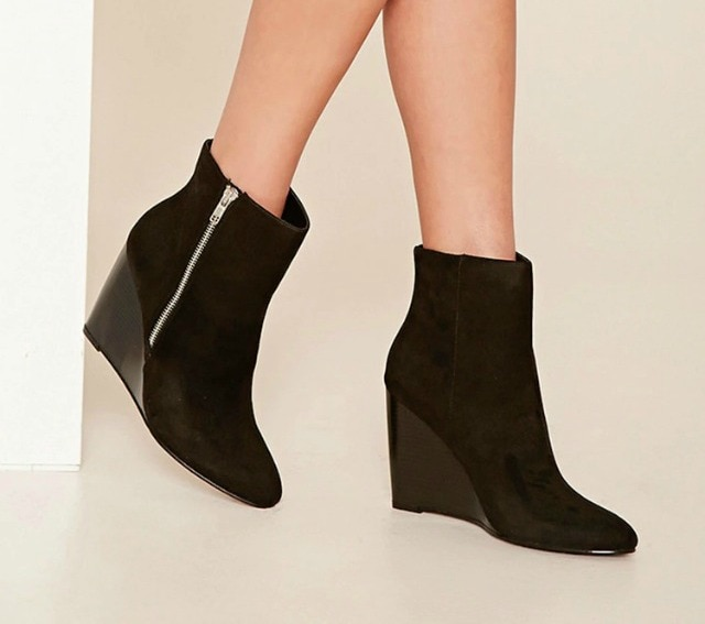 50 Trendy Fall Booties under $50 | Searching for cute, trendy and affordable ankle booties for fall? Find the most stylish fall boots from cutout booties and tie-up booties, to classic stacked heels bootie, Western boots, and wedges from some of the best known fast fashion brands. All of these amazing styles in one place (+ where to get them). Click to see all!