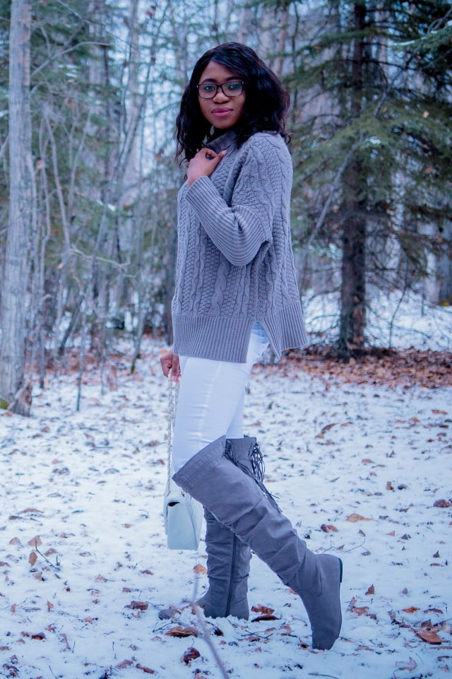 Stay warm in cozy oversized knit sweater this fall. Perfect knitwear to add to your wardrobe.