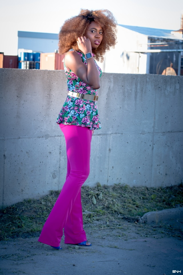 """Now, this is how you make a bold color statement! ? Love how this melanin goddess nailed this bright pink outfit. From deep rich pink to floral green and hints of blue. With a subtle makeup and barely any jewelry, this look is the essence of """"let your outfit do the talking."""" I would wear this outfit any day. Color Pop: How to rock bold colors this season. #ootd #melanin"""