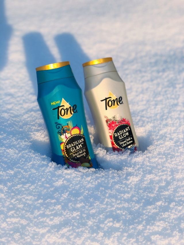 ​How to get your holiday tone this holiday season. Tone Skincare gives you that luxurious feel that lasts all night long. The fragrances will transform you!​ #MyHolidayTone #HowITone #FragranceMadeFun​