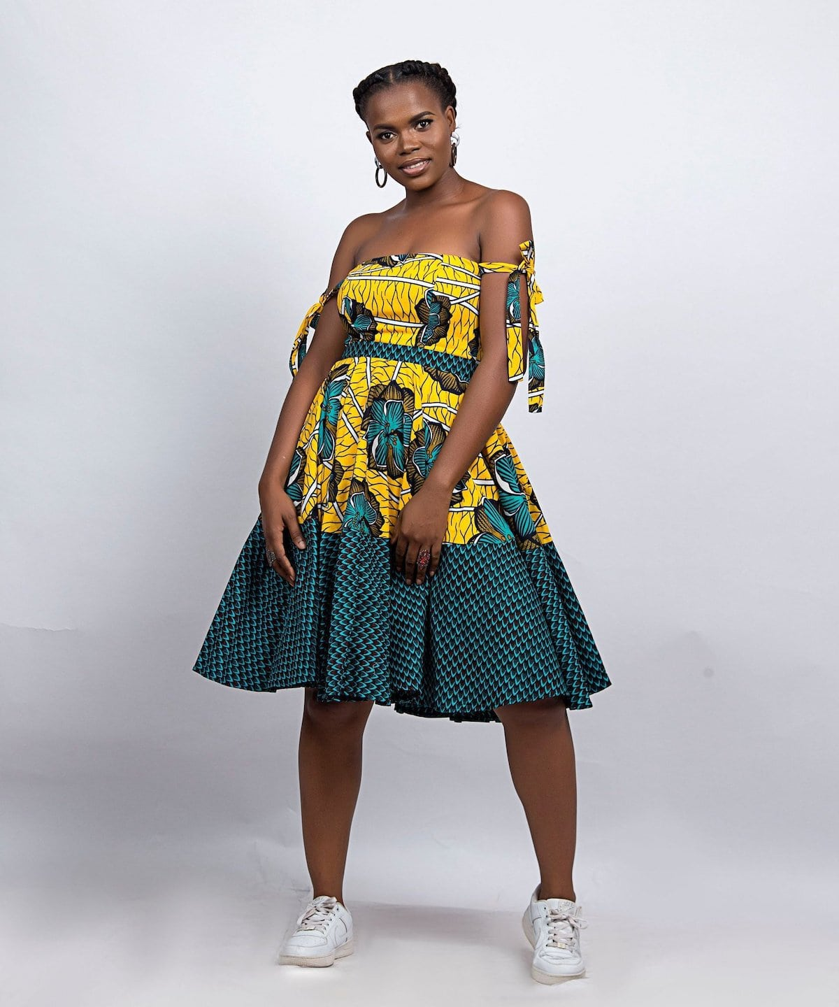 Who would have thought that African print clothes would look this good? Check out this stunning ankara print dress from Boriah Clothiers. From ankara Dutch wax, Kente, to Kitenge and Dashiki. All your favorite styles in one place (+find out where to get them). Click to see all! Ankara, Dutch wax, Kente, Kitenge, Dashiki, African print dress, African fashion, African women dresses, African prints, Nigerian style, Ghanaian fashion, Senegal fashion, Kenya fashion, Nigerian fashion #africanprint #ankarastyles #africanfashion