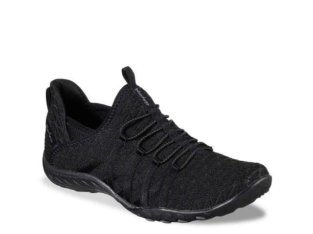 Sharing my best purchases of 2017 - all the products I love and would absolutely buy again in a heartbeat. These items are tried and true and come highly recommended! You'll be surprised by how inexpensive some of these items are. Best Purchases of 2017 - Skechers Breathe Easy Sneakers.