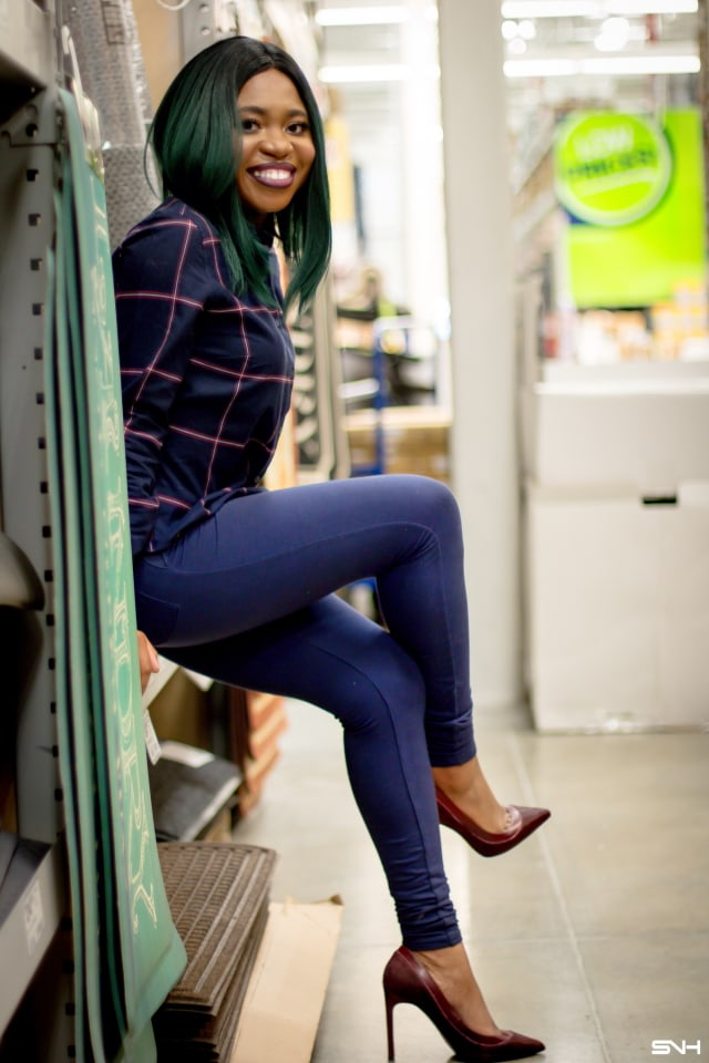 Louisa Moje escapes the -16ºF Alaskan weather for refuge in a home improvement store. She shares a recap on her experience. Garbed in a stunning high-waisted cotton pants and a button-down shirt that is worn untucked!