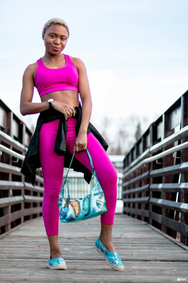 Curious about how to transition your athleisure look from workout to casual outfit? Fashion blogger, Louisa shares how she transform her workout look to a fun, chic and millennial-approved outfit with hand painted pieces from Anuschka! #athleisure #anuschka AD