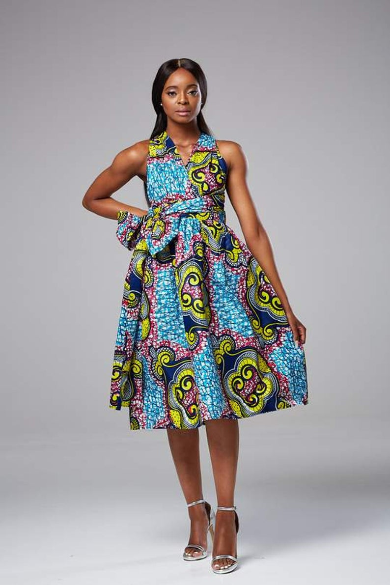 #africanfashion #ankarastyles #ankarafashion Ultimate guide on the best African styles, in particular, wax print maxi dresses and fashionable ankara styles for women this year. Style blogger and African print lover, Louisa, rounds up her top picks and where you can get them for less today. Click for more!