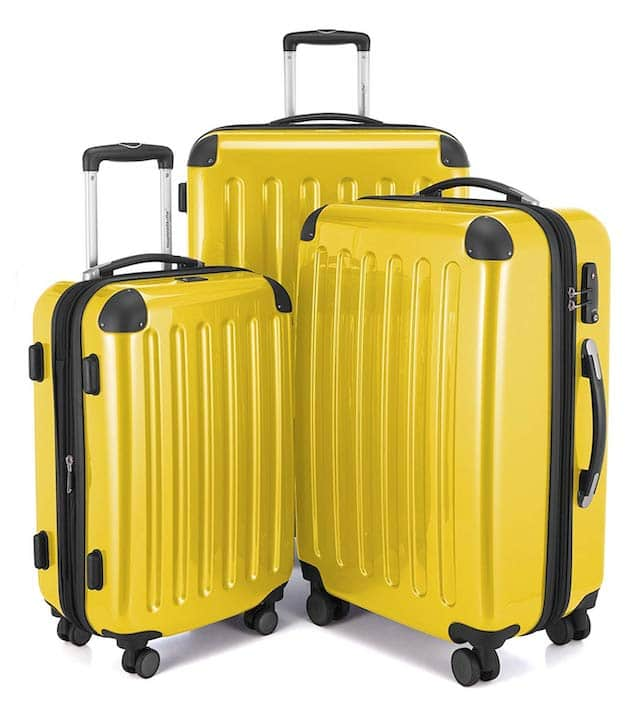 The best luggage set reviews. Detailed review of American Tourister 3-piece luggage and Rockland luggage with high-impact spinner wheels.