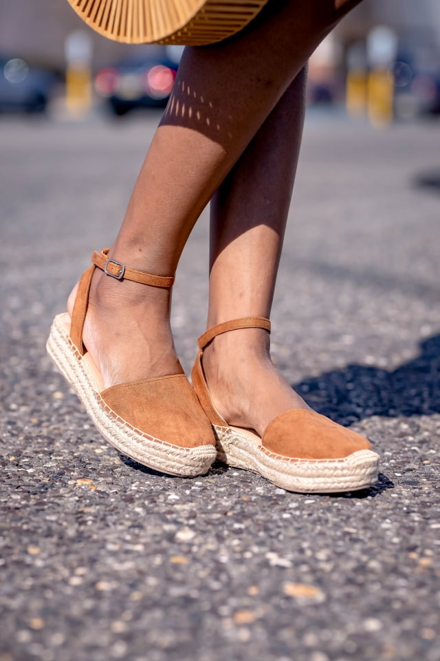 Amazon Fashion - Vegan Ankle Strap Espadrille