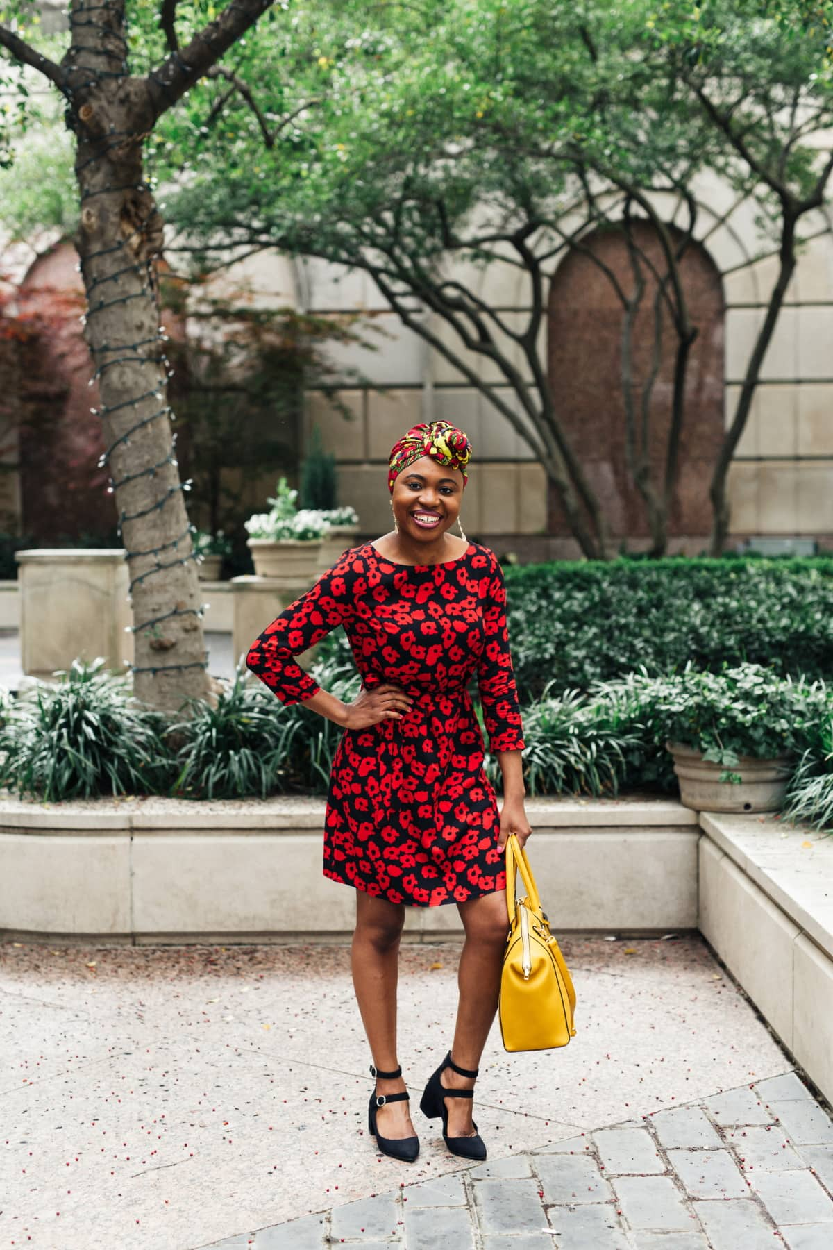 New Jersey fashion blogger shows us how A unique workwear look that embraces your culture. Easily transition this summer style from office wear to church outfit, date night, and casual everyday wear. #africantrends #springstyle #nigerianfashion #headpiece