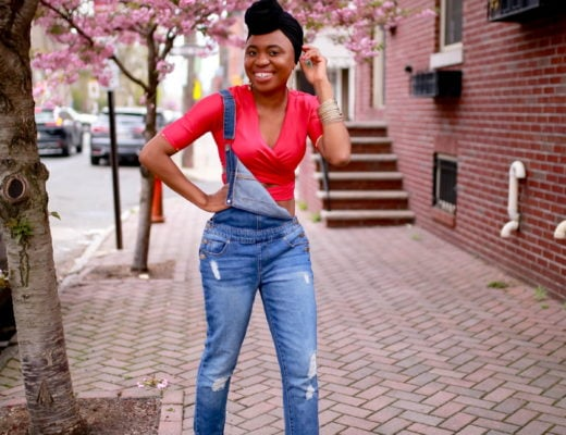 This is seriously my favorite way to wear denim overalls! And I've linked a similar pair that's less than $30. Discover a few more ways to take your overalls from casual chic, to work and night out. #denim #summerfashion