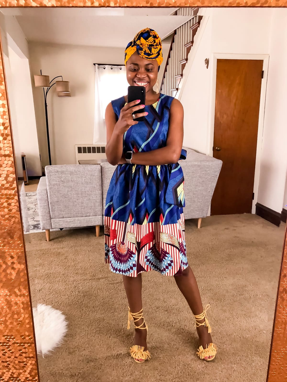 I spent over $200 buying clothes on Amazon so you wouldn't. Keep reading to find out the best (and worst) African print clothes on Amazon. I couldn't believe it when I spotted a dashiki dress for $16! Amazon fashion haul includes the prettiest asymmetrical ankara dress, a steal on a pleated African fashion dress, the best African print head scarves, and even a 3D printed ankara infinity dress.