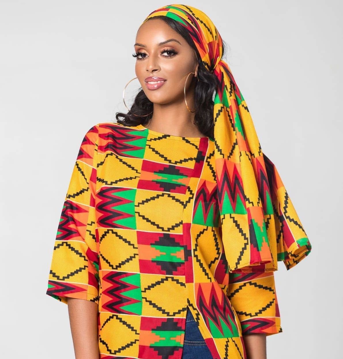 African print lover and fashion blogger, Louisa, shows us her top selection of over 15 best ankara head wraps available today. All your favorite styles in one place (+find out where to get them). Click to see all! #africanfashion #ankarastyles #ankarafashion