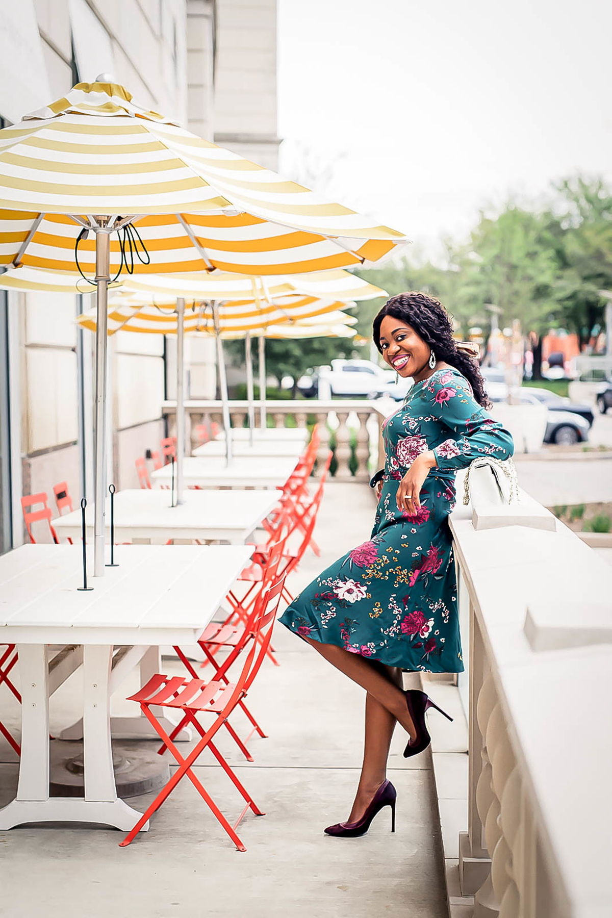 This knee-length a-line dress is seriously the best floral dress for summer. A nice but not overpowering contrast of colors makes this dress perfect for weddings, cocktails, work, and red carpet events. Your wallet will thank you too. #summerfashiontrends #weddingguest