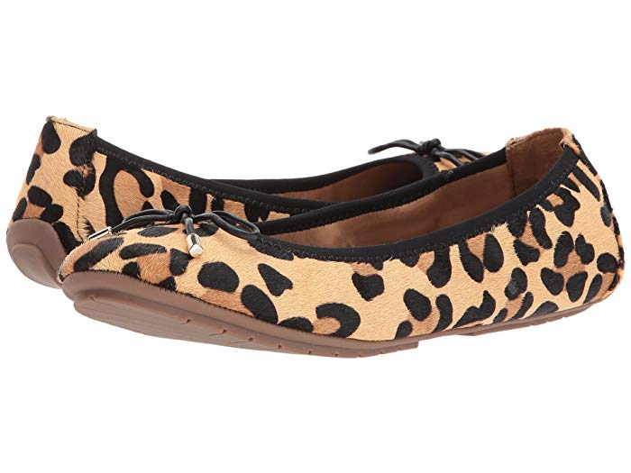 The Yosi Samra ballet flats is arguably one of the bese comfortable alternative for Tieks shoes. These comfy flats will not hurt your feet regardless of how long you wear it.