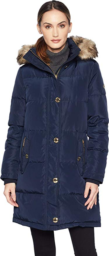 #canadagoose #downjacket Read this post before you hit the checkout button on that very expensive Canada Goose jacket. With over 20 Canada Goose alternatives, there's an affordable winter jacket for you. Don't spend you rent/mortgage on one jacket yet. #wintercoat #northface