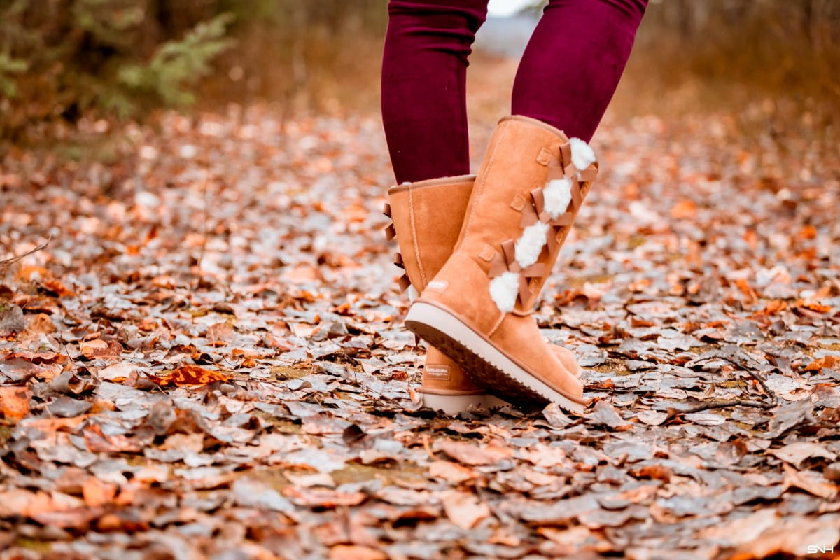#wintershoes Best Ugg Look Alikes - Splurge vs Save on Ugg boots & Alternatives | What would I do without these boots? These winter boots are they comfy, cozy and fashion plus the price is hard to beat. #uggboots #bearpaw