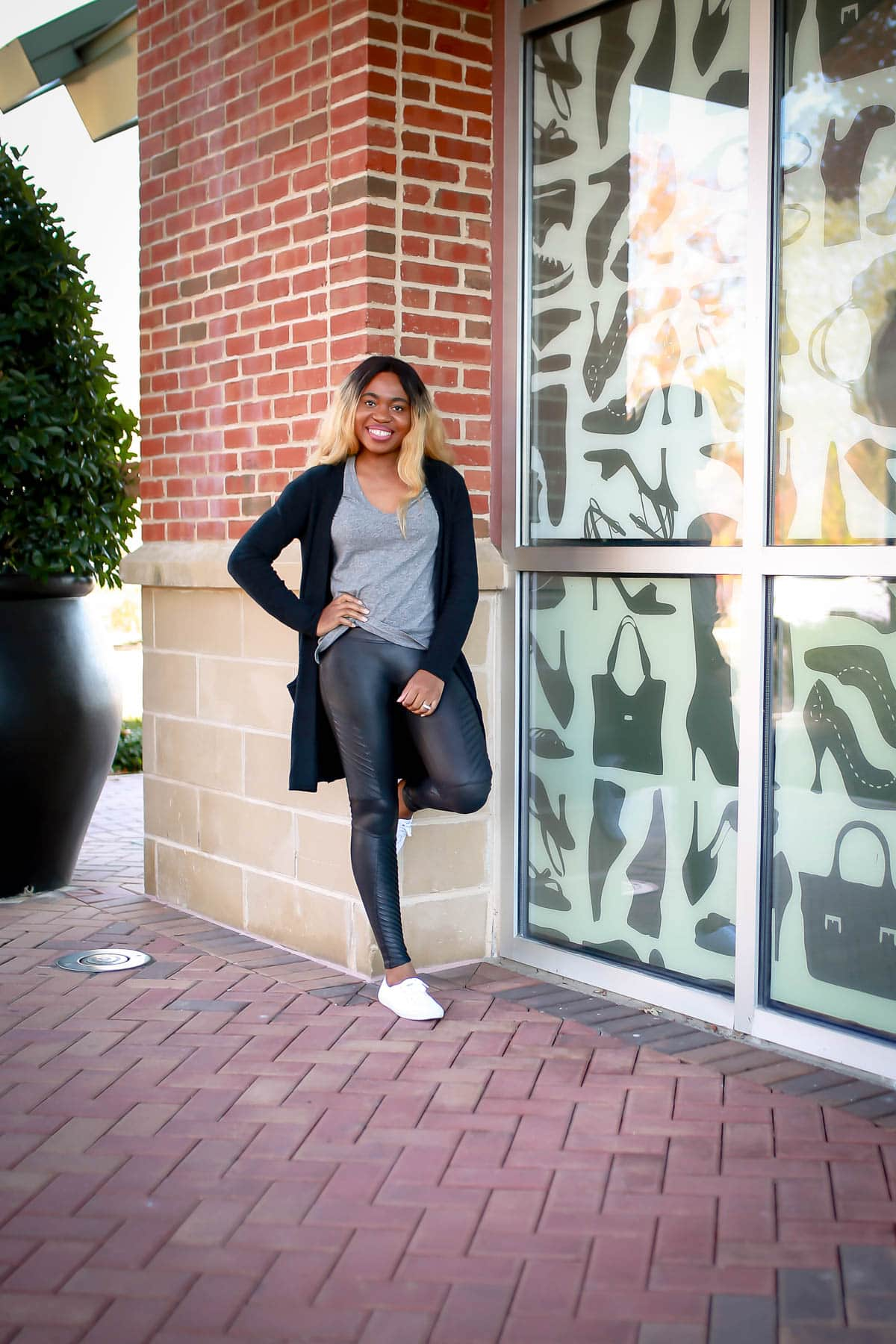 How to wear spanx faux leather leggings | Spanx Faux Leather Leggings are hyped as being a staple in any wardrobe. Even for winter? Sharing my thoughts and experience wearing this Spanx leggings on whether it is truly versatile and worth the hype. Or if it's a piece of overpriced leggings.