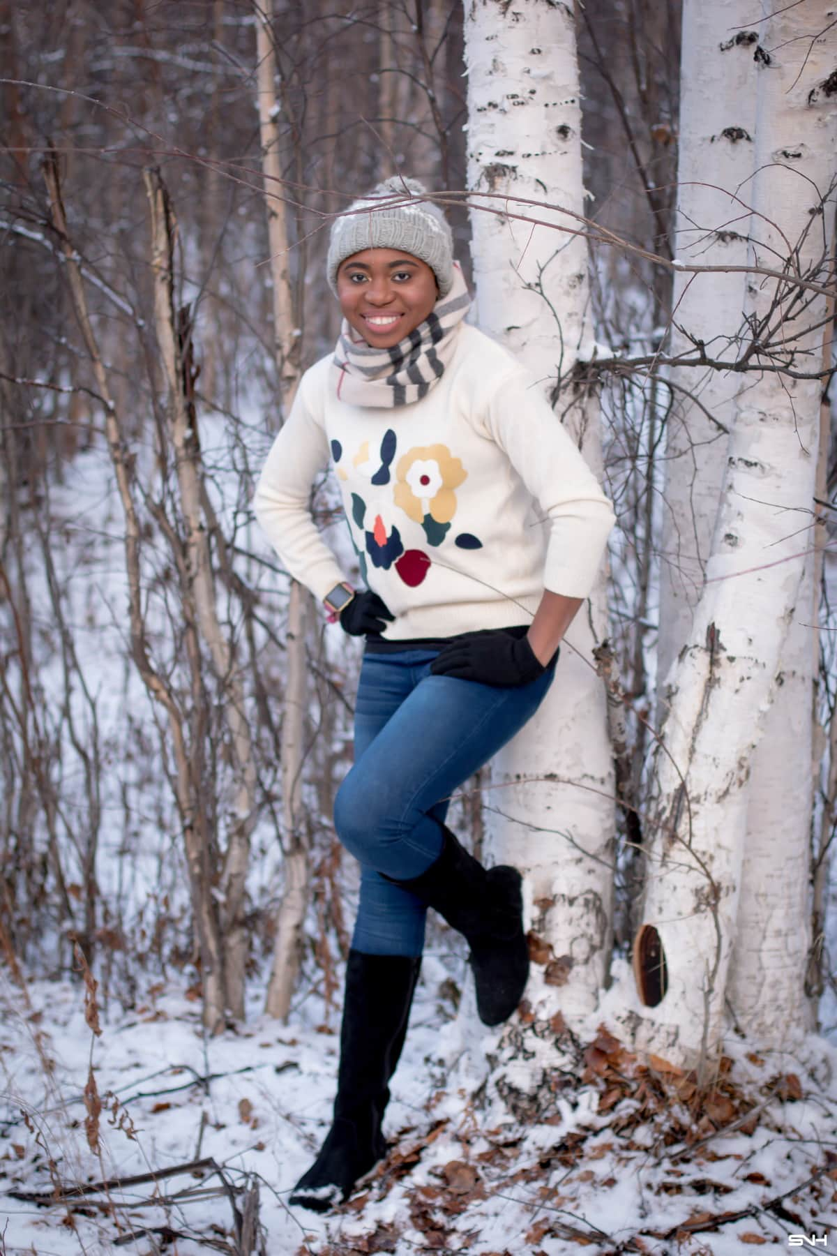 #uglychristmassweater A roundup of the best ugly Christmas sweaters for women to rock in 2019. And guess what? These cute ugly Xmas sweaters are all under $40! Now's the best time to scoop these funny holiday sweaters before they sell out or become crazy expensive! #christmassweaters #sweatersforwomen