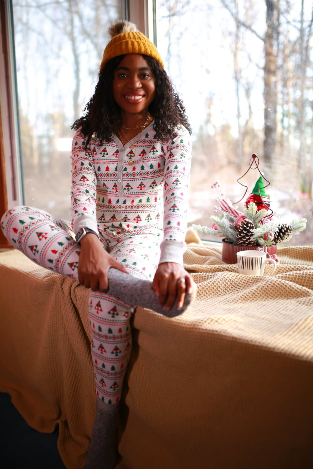 Amazing last minute Nordstrom gifts for her (women, wife, partner, grannies, and daughters) this year. From top-rated BlankNYC moto jackets, cozy socks, and pampering facial mask to stunning and affordable jewelry, makeup, and comfy loungewear slippers. #nordstrom #nordstromsale