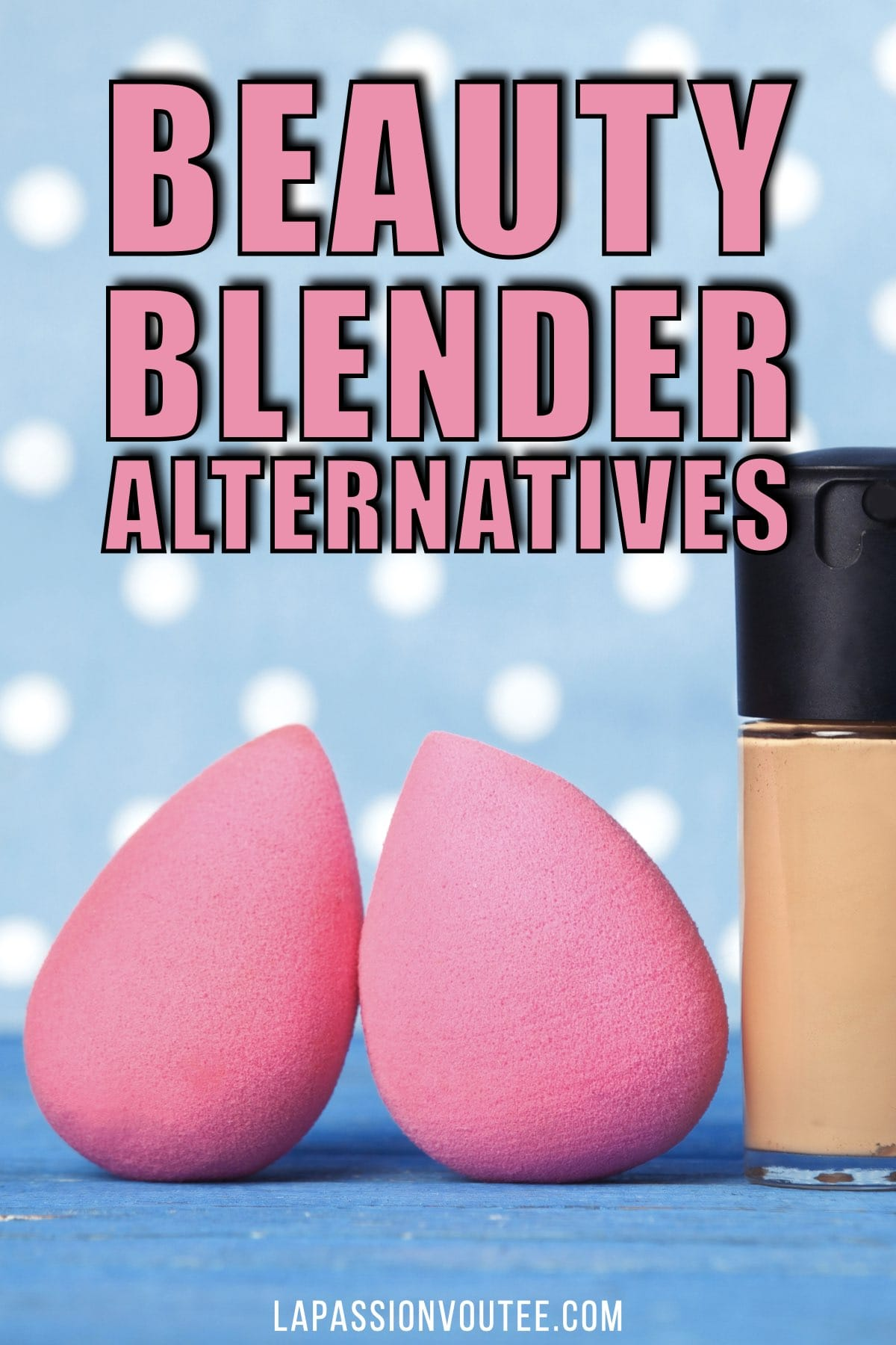In search of the best beauty blender alternative? Here are the 15 most-wanted makeup sponge applicators for every budget! #beautyblender #makeuptips #amazonfashion #luxurybeauty #makeupsponge