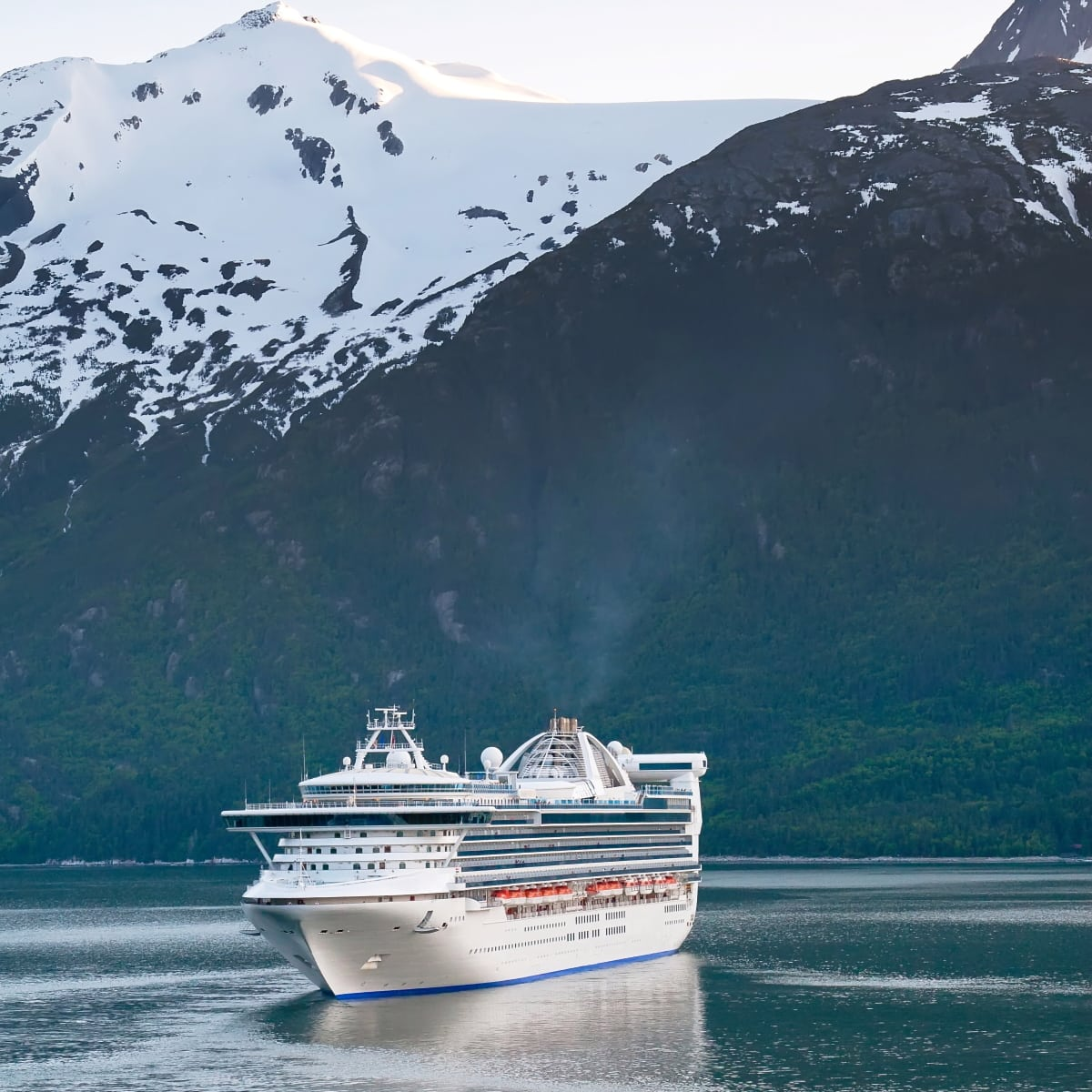 Ready to have the time of your life on your Alaska cruise? This Alaska cruise packing list is everything you need.