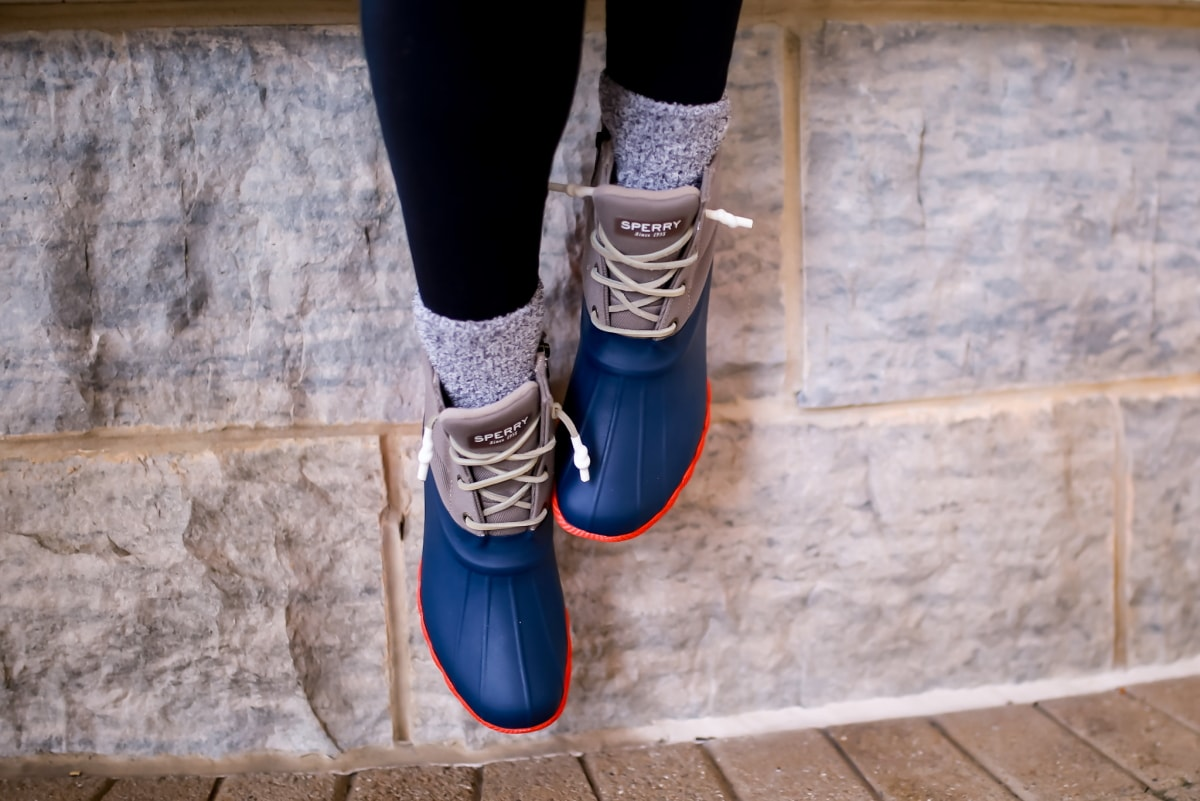 Looking for a cute Sperry duck boots outfit? The Sperry Saltwater duck boots are a top recommendation for adventure travel. Here's how to style these versatile boots.