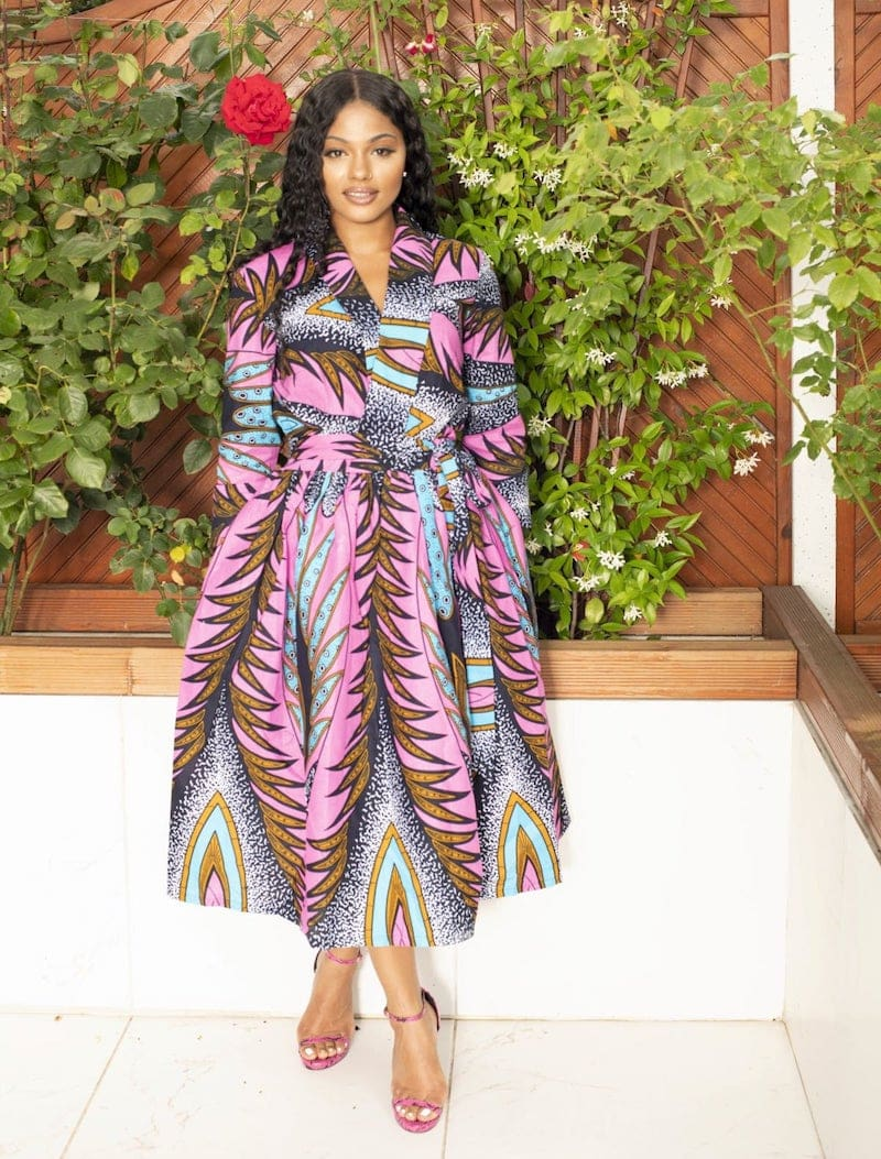 #ankarastyles #ankarafashion The ultimate roundup of the most-wanted African print dresses in 2020 plus tips on how to score these ankara dresses like maxi dresses, midi dresses, and tons more for way less so you get the most out of African print clothes.