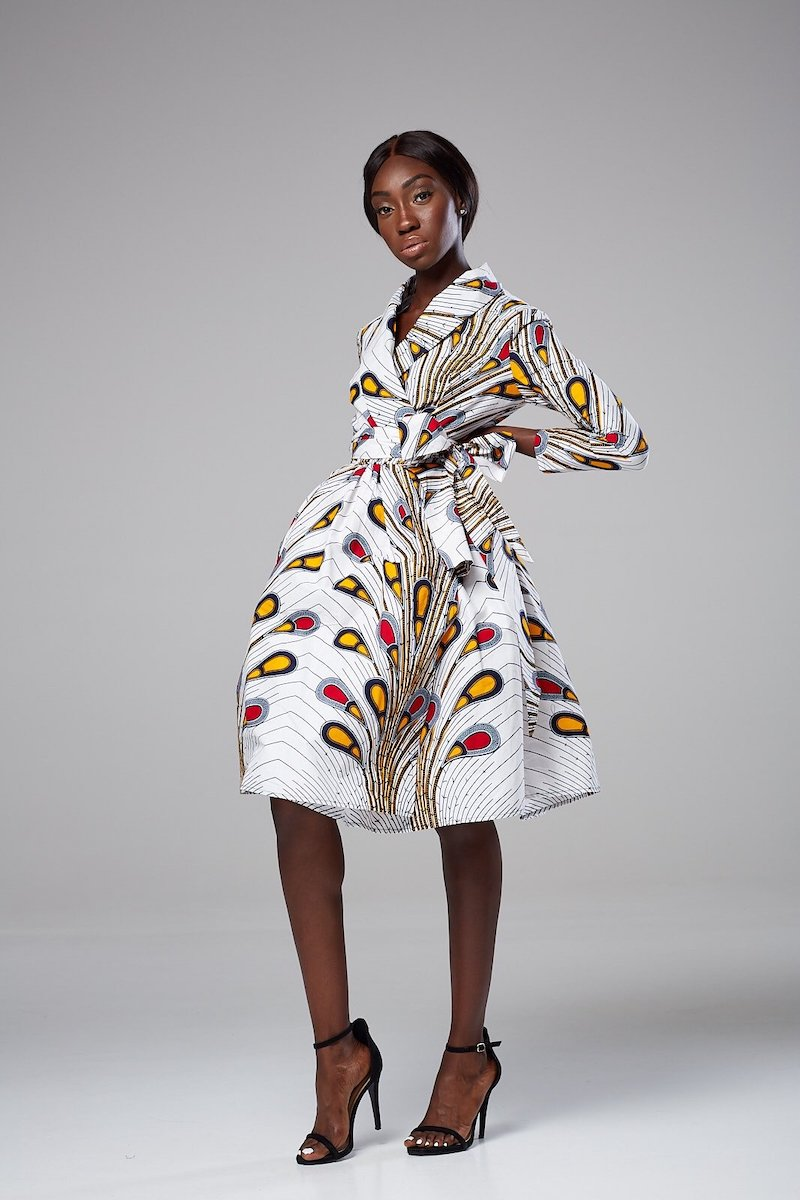 An epic roundup of over 45 elegant wax print African print dresses in 2020. Plus details on where to get the best ankara maxi dress without spending a fortune. From ankara Dutch wax, Kente, to Kitenge and Dashiki. All your favorite styles in one place. Click to see all! #africanfashionoutfits #kente