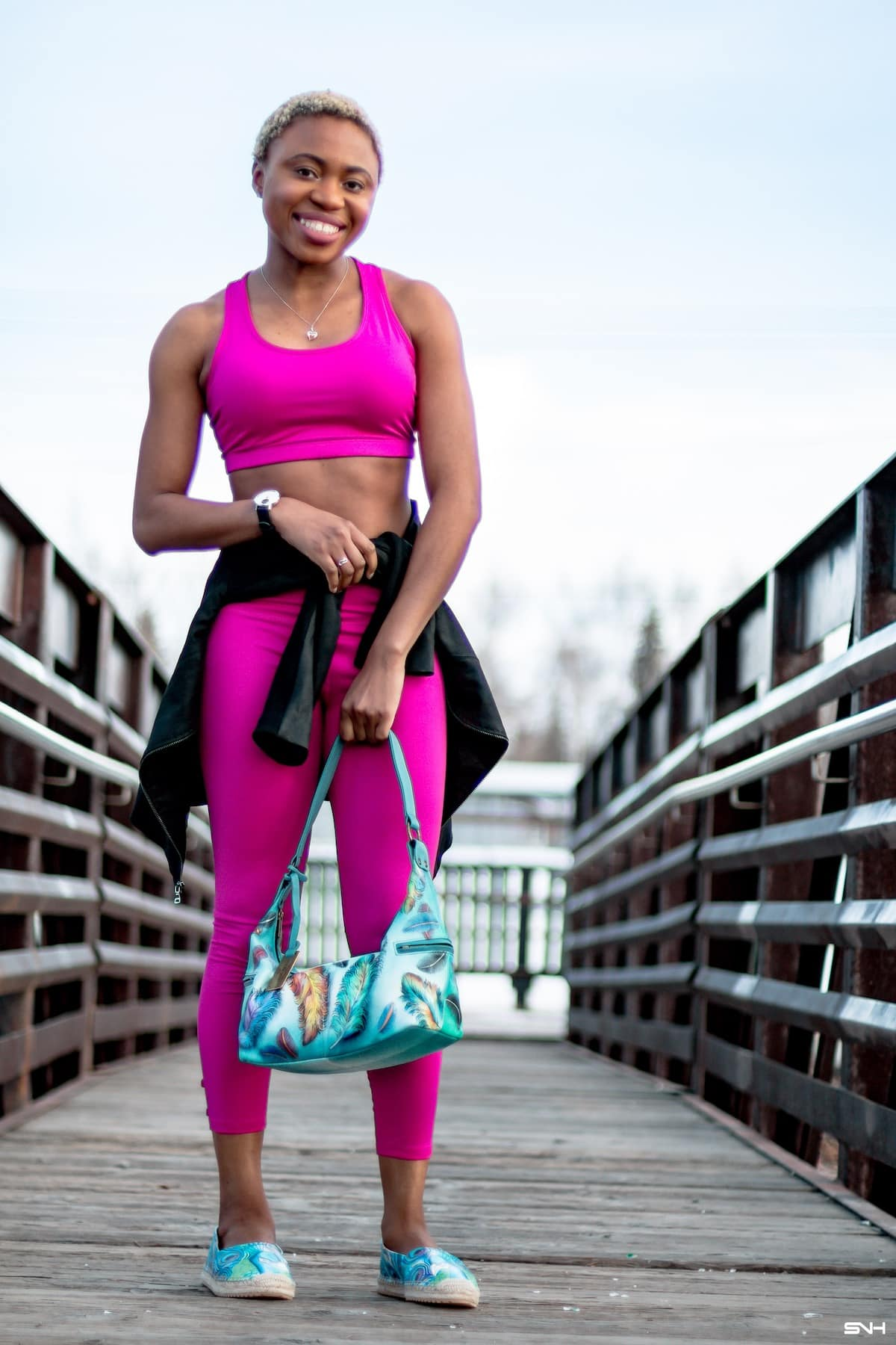 Curious about where to find the best yoga leggings? Sharing a roundup of the top 10 best-selling Lululemon alternatives that are soft, butt-enhancing and feel great on the skin.