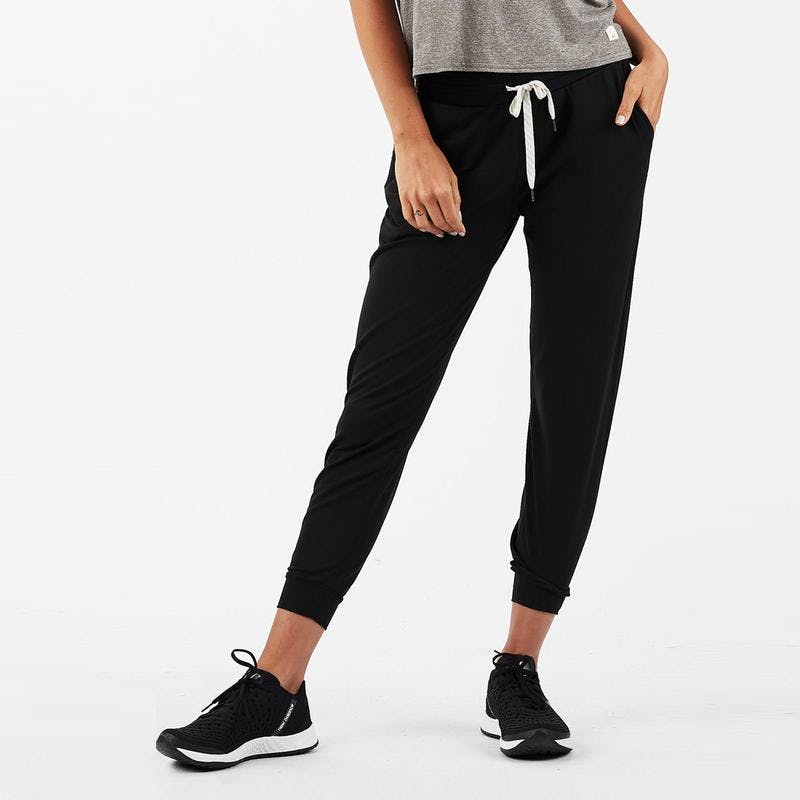 Vuori Performance Jogger - best gifts for fashion bloggers