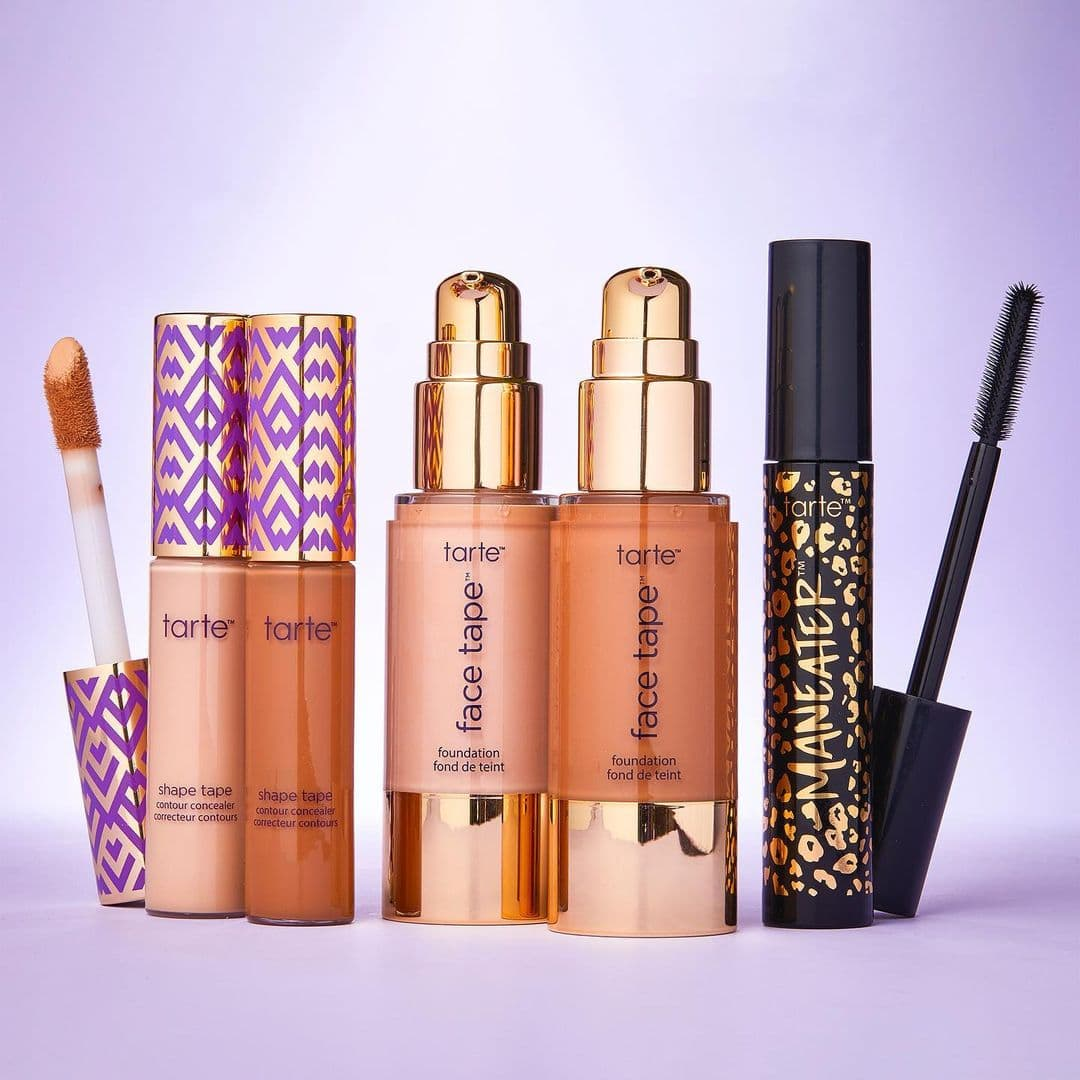 Everything you need to know about the Tarte birthday gift 2021. Plus details and tips on how to claim your free #TeamTarte loyalty rewards and how to join for free. This year's Tarte Cosmetics birthday gift is a combination of the Amazonian clay 12-hr blush and Lights, camera, lashes 4-in-1 mascara ($25 retail value). #tarte #birthdaygift